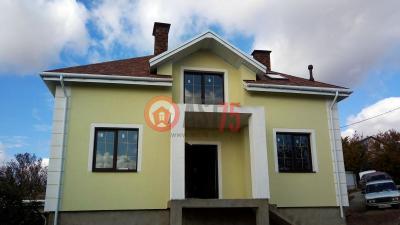 Дом 10.8 х 9.2 (с цокольным этажом) площадью 230 м2 + проект