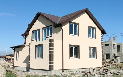 Дом 13.4 x 9.6 с гаражом и балконом площадью 189 м2 + проект